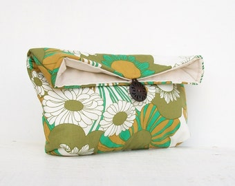 Makeup Bag Cosmetic, White and Green Clutch Purse, Floral, Bridesmaid Gift, Bridesmaid Clutch, Green Clutch
