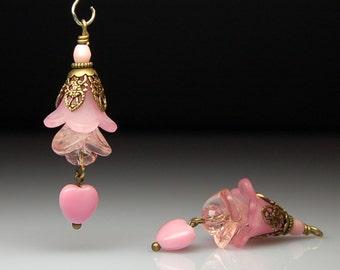 Vintage Style Bead Earring Dangles Pink Lucite Flowers Pair PK704