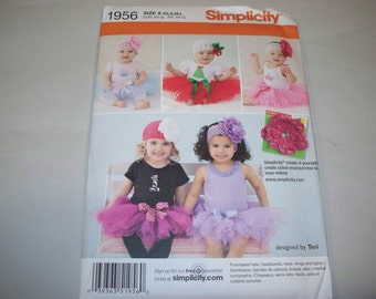 New Simplicity Babies' Costume Pattern, 1956  (Free US Shipping)