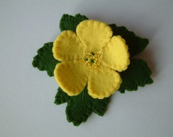 Brooch, Felt - Buttercup - Wool Felt - Wild Flowers