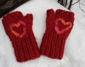 Red heart gloves mitts wool pink orange peach embroidery lovely One size gift