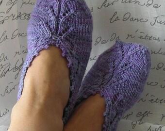 Knitting Pattern PDF - slipper socks - Chausettes de Lavande - Lavender Socks - women's socks - easy quick knit - great for gifts