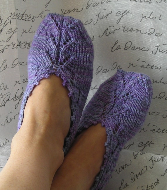 Free Knitting Pattern For Womens Slippers : Knitting Pattern PDF slipper socks Chausettes de Lavande