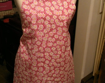Child Size Med-Large Apron Daisies on Hot Pink Fuschia Background Daisy