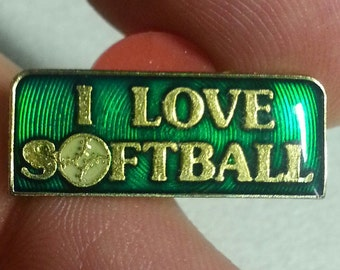 1988  I LOVE SOFTBALL Slogan Pin from the 1970s Agb