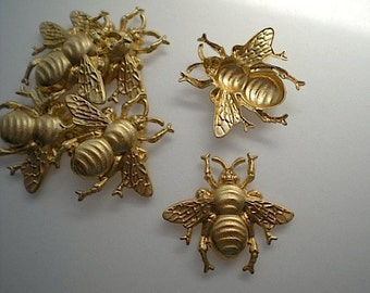 6 large brass bumblebee charms