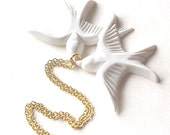 Pure white flying kissing resin love birds gold necklace