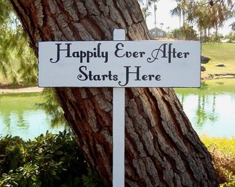 HaPPiLy EVeR AfTeR SiGn - HaPPiLY EVeR AfTeR STaRTs HeRe ARRoW SiGn- DiReCTioNaL WeDDiNg SiGnS - 4ft Stake