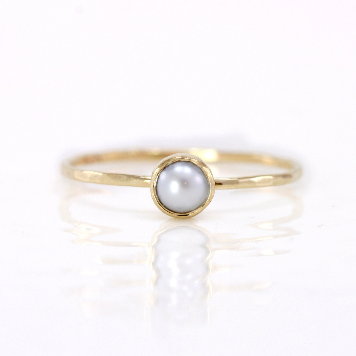 pearl ring in 14k gold white akoya pearl by