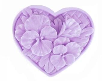 Pansy Heart Soap  - Organic Soap -  Purple Flowers - Decorative Soap -  Glycerin Soap  - Moisturizing Soap  -  Essential Oil Lavender