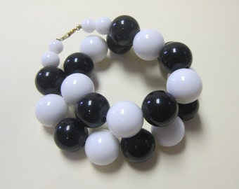 Vintage 80s Black and White Mod Choker DEADSTOCK