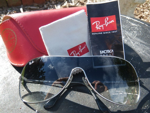ray ban made by luxottica  SALE Vintage Ray Ban Wing sunglasses Luxottica model 3211