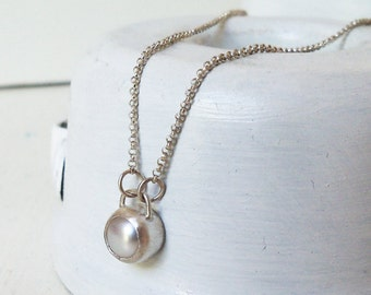 Sterling Silver Necklace with a Pearl Pendant / Bridesmaid Gift / Pearl Necklace / Pearl Charm / Wedding Bridal Jewelry / Gift For Her
