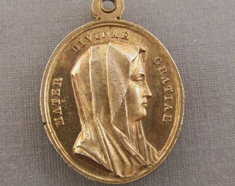 Antique Religious Medal  Mother of Divine Grace Jesus Christ Saviour Of Men   SS223