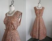 1950s Vintage Rust snd Cream Shelf Bust Patterned Day Dress VLV XL