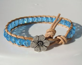 Turquoise Beaded Leather Bracelet with Flower Button