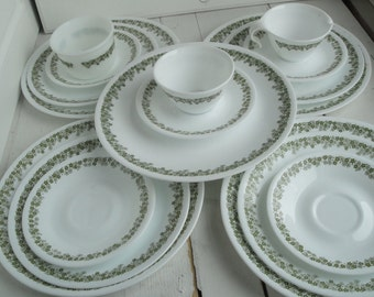 Vintage Corelle Crazy Daisy Dinner Lunch Plates Saucers 18