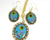SALE! Real Flowers Teal Necklace Earring SET, Pressed Flower Earrings and Pendant, Real Flowers, Resin (1218)