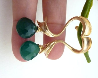 Emerald Green Onyx with Long Fancy Cursive Post Earring