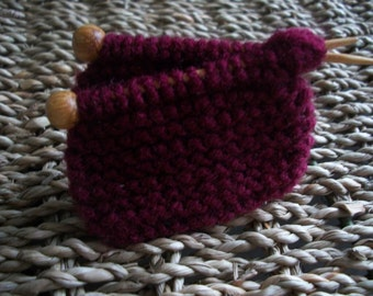 Knitting Needle BROOCH - miniature KNITTED Brooch - Burgandy