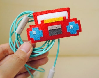 Pixel radio electric wire keeper & brooch