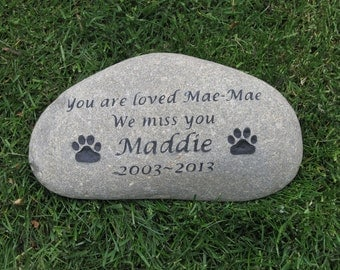 Personalized Dog Memorial Stone, Pet Memorial Garden Stone, Headstone, Pet Grave Marker, Large 11-12 Memorial Stone