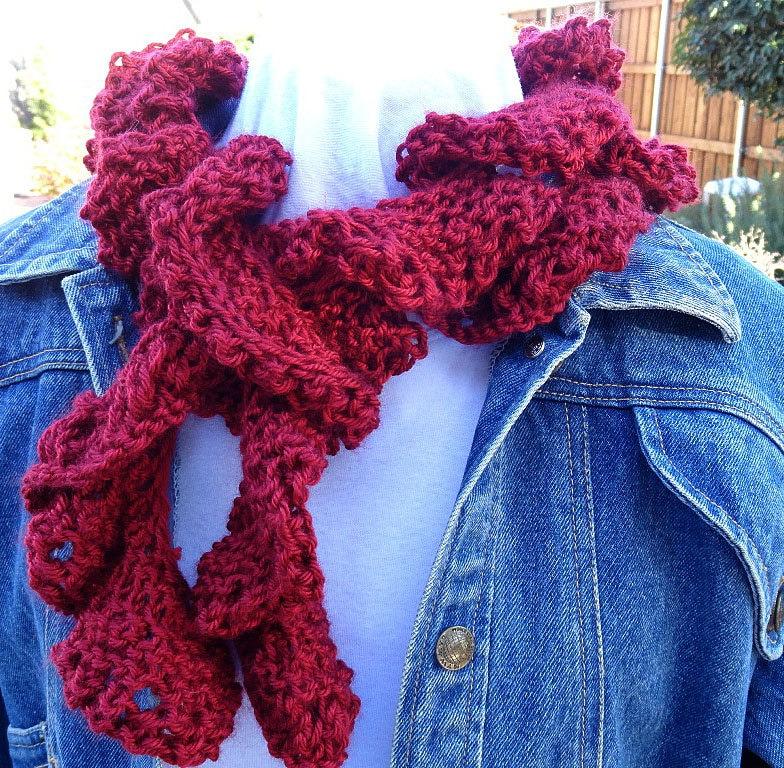 Knitting Pattern For Corkscrew Scarf : Knitting Pattern for Scarf Easy to Knit Spiral Scarf Pattern