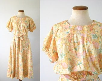 1970s Day Dress High Waist Twirl Skirt Picnic Floral Spring Yellow Romantic Short Sleeve Flirty Belted Vintage 70s Dainty Feminine S M Small