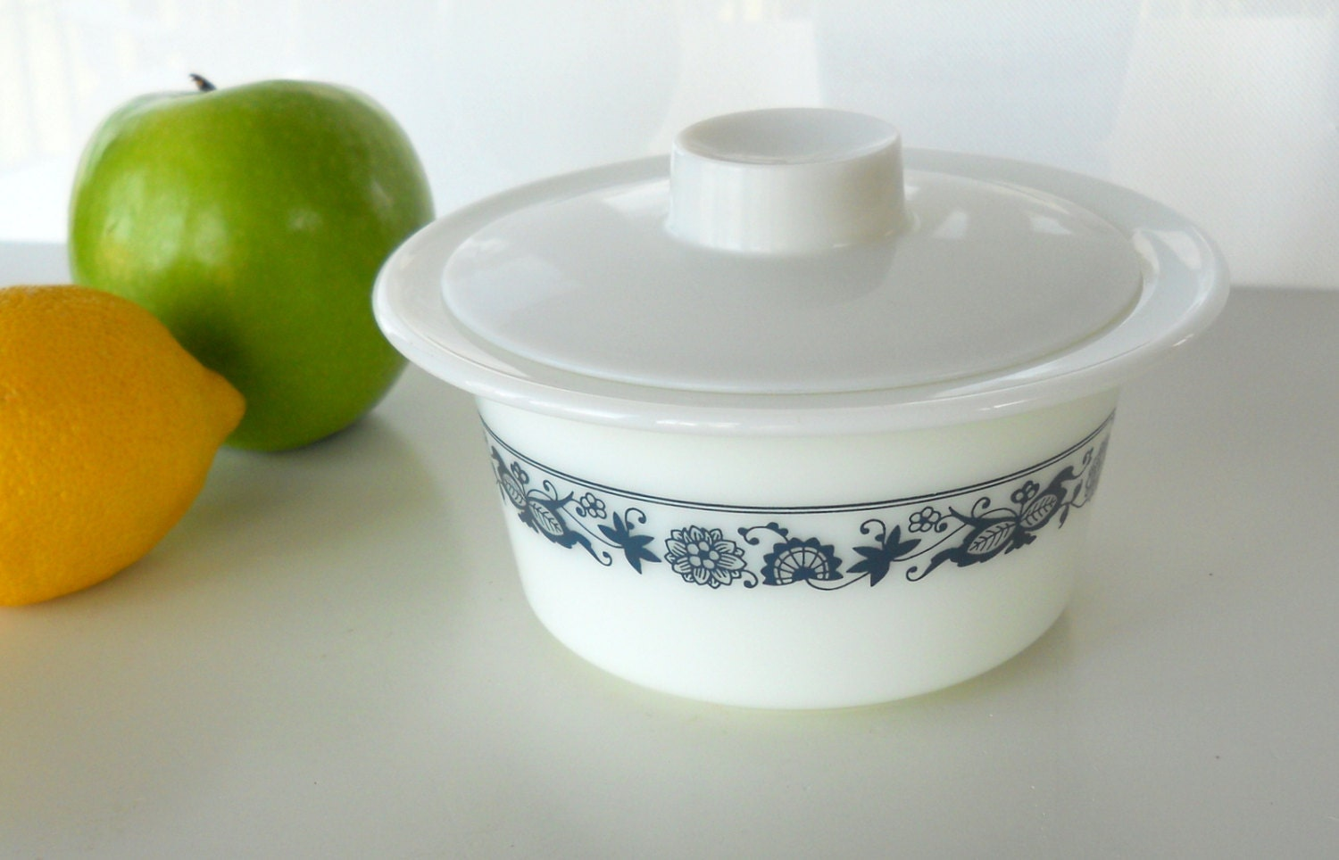 Vintage Pyrex Old Town Blue Butter Dish With Lid
