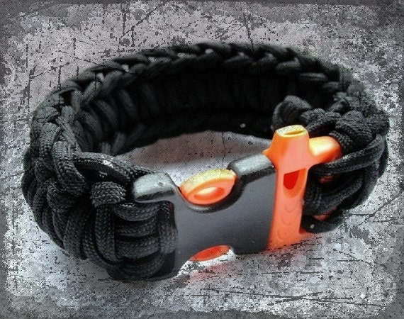 Paracord Survival Bracelet with Whistle Buckle - from wrist band to rope in seconds