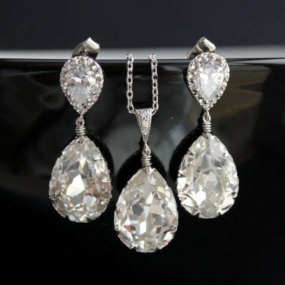 Wedding jewelry Bridal Jewelry Set with Swarovski Crystal Teardrop on Cubic Zirconia Silver Posts Bridal Crystal Jewelry