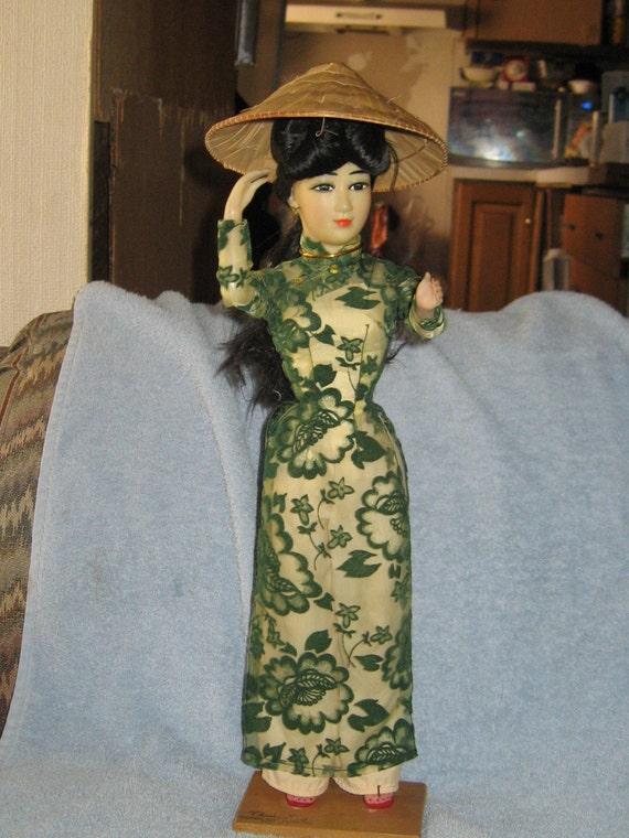 "1967 Vietnam  Doll Chanh-Hung ""dresses very beautiful"" doll"