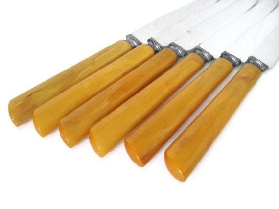 Set of 6 Vintage Bakelite Handle Steak Knives