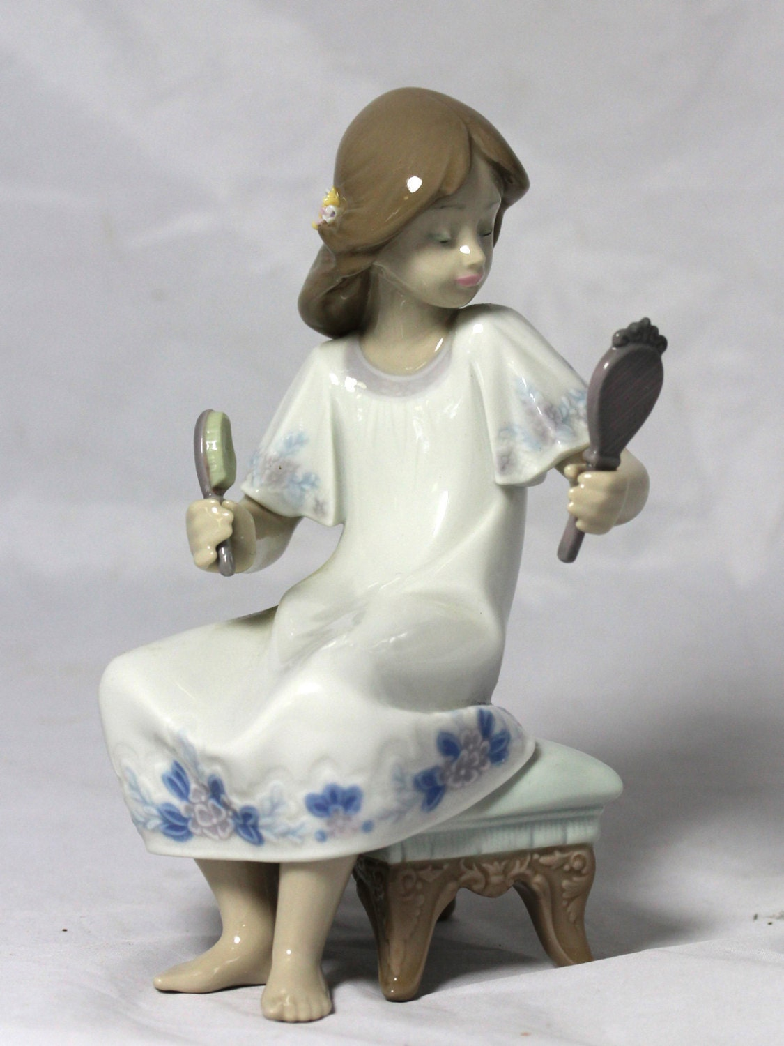 Sale Vintage Lladro I Feel Pretty Figurine Girl With Mirror