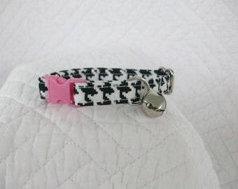 Houndstooth  Cat Collar with bell  Cat  Breakaway Collar Custom Made