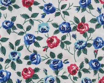 Vintage Small Tea Roses Floral Chintz Fabric - 3 yards
