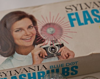 Vintage Sylvania Blue Dot Clear Fashbulbs