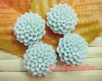 Light Blue 10 pcs 15mm Mum Cabochon (008)