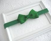 Emerald Green Baby Bow Headband, Christmas Baby Headband, Green Hair Bow, Simple Green Hair Bow, Baby Bow, Baby Headband, Toddler Headband