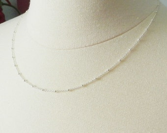 Satellite layering chain in sterling silver, delicate modern jewelry