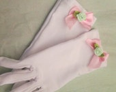 Little girls gloves - Easter gloves - pink or white gloves - gloves with flowers - Tea party gloves
