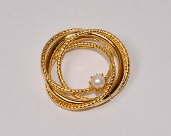 SALE Gold Circle Brooch Vintage Gold Tone Brooch