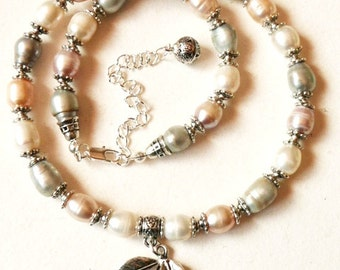 Fresh Water Pearls Necklace with Tibet Silver Pendant and charm