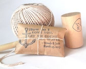 Unique Wedding Favors. Old bay spice and crab mallets. Personalized. Nautical Wedding. Beach Wedding. Set of 20.