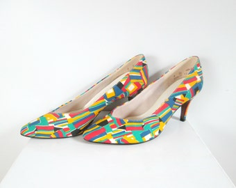 Fabric Abstract Print Shoes Pumps Heels Vintage 1960s Primary Colors Life Stride Size 8