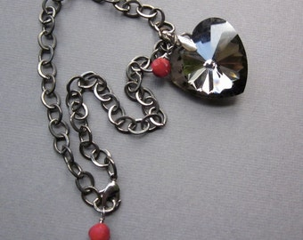black heart with red on gunmetal - the pippa necklace