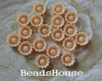 625-00-CA   8pcs  Beautiful Sunflower Resin Cabochon,10mm - Ivory
