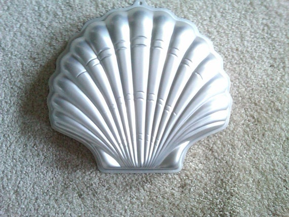 Wilton Large Sea Shell Cake Pan Mold Tin With Instructions