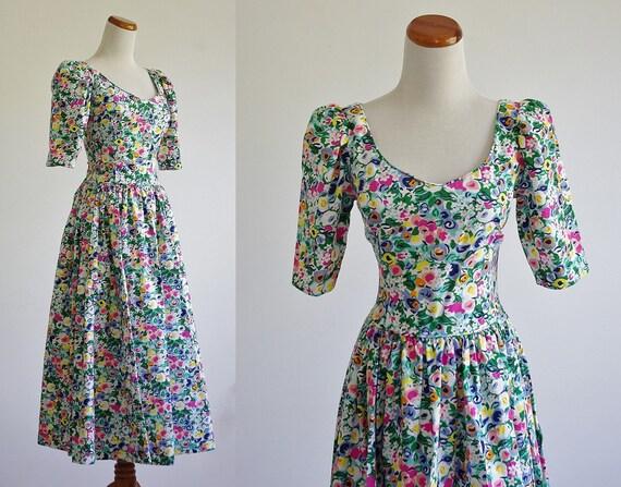 Vintage 80s Floral Dress,  Basque Drop Waist Dress, Full Skirt Dress, Sweetheart Neckline, Flowers Print Dress, 80s Prom Dress,Bust 32 Small