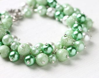 Light Green Bridesmaid Jewelry Bracelet for Wedding, Pastel Color Pearl Cluster Bracelet - Spring Green